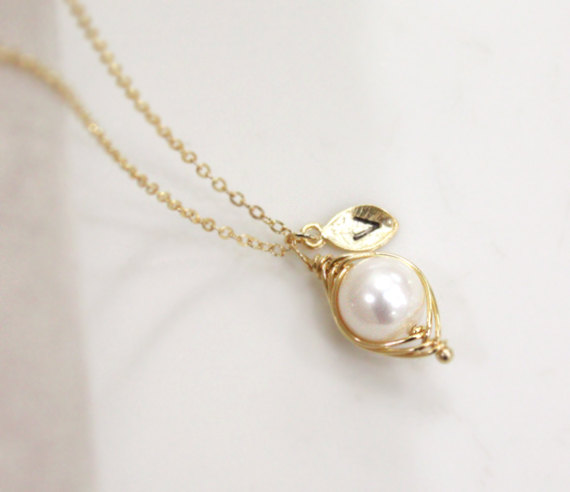 Pea in a pod necklace, Initial necklace, Mom, Mother, Mother's DAY, Baby Shower Gift, Simple necklace, pea pod necklace, pearl necklace