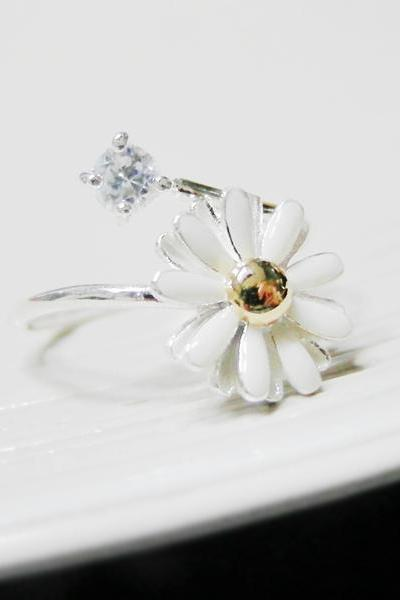 Adjustable White Daisy Flower Ring